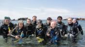 En groupe et à tout age, découvrez le monde sous-marin avec les baptêmes de plongée PADI!