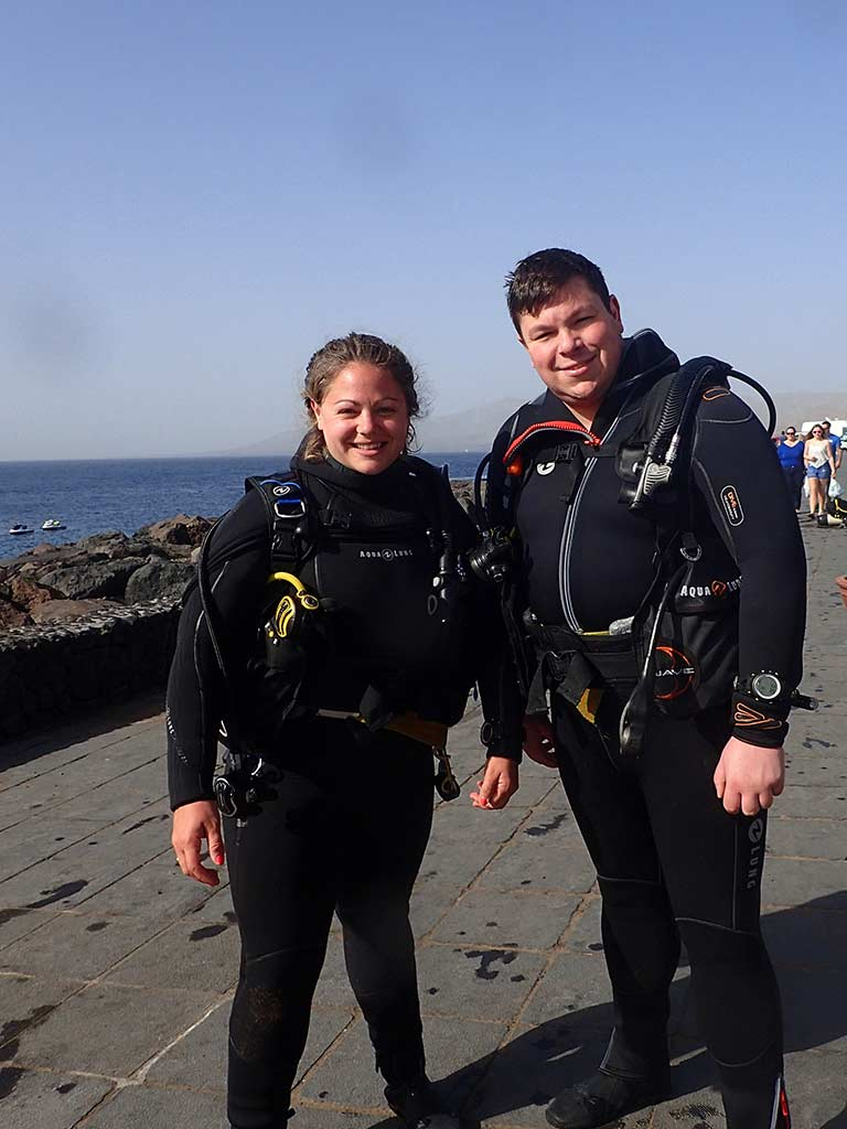 Phil and Rachel at Playa Chica, Puerto del Carmen about to go for a dive for Phil's PADI open water course!